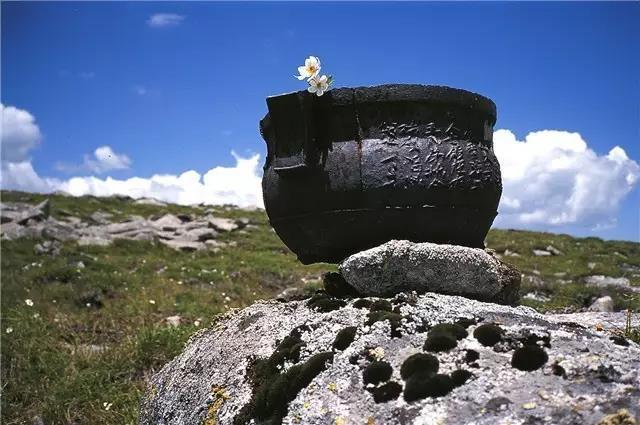 螯山顶尚存的历史 摄影/巴戈
